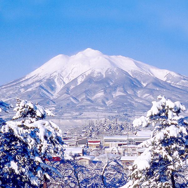 弘前市の冬 岩木山