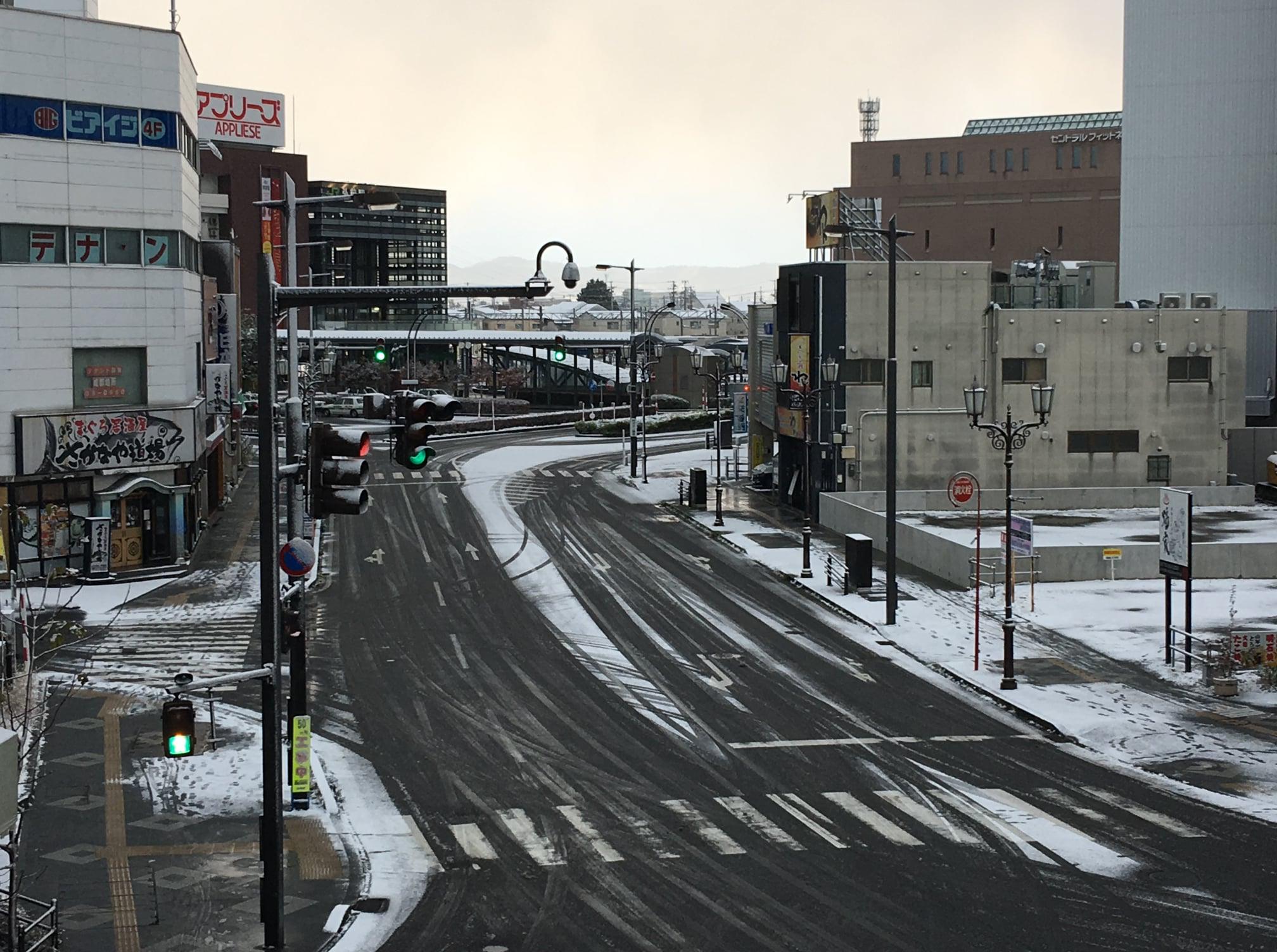弘前初心者でも転ばない雪道の歩き方